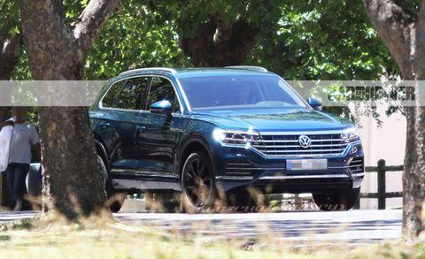 Land vehicle, Vehicle, Car, Volkswagen, Sport utility vehicle, Volkswagen touareg, Automotive design, Volkswagen tiguan, Luxury vehicle, Crossover suv,
