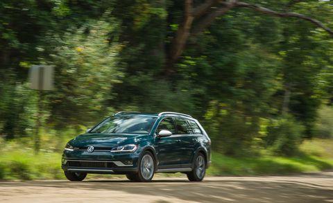 Land vehicle, Vehicle, Car, Volkswagen, Automotive design, Hatchback, City car, Mid-size car, Volkswagen touareg, Compact car,