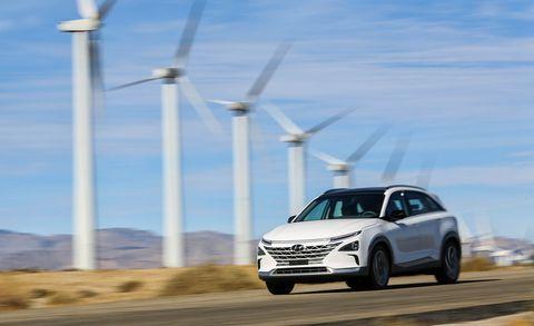 Land vehicle, Vehicle, Car, Automotive design, Mid-size car, Sky, Sport utility vehicle, Family car, Sedan, Crossover suv,