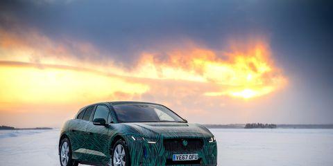 Land vehicle, Vehicle, Luxury vehicle, Automotive design, Car, Personal luxury car, Mid-size car, Performance car, Sports car, Automotive lighting,
