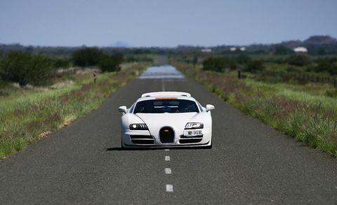 Land vehicle, Vehicle, Car, Sports car, Bugatti veyron, Supercar, Bugatti, Automotive design, Performance car, Race car,
