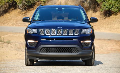 land vehicle, vehicle, car, motor vehicle, regularity rally, compact sport utility vehicle, grille, hood, sport utility vehicle, automotive design,