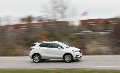 Land vehicle, Vehicle, Car, Automotive design, Hatchback, City car, Sport utility vehicle, Sky, Mid-size car, Subcompact car,