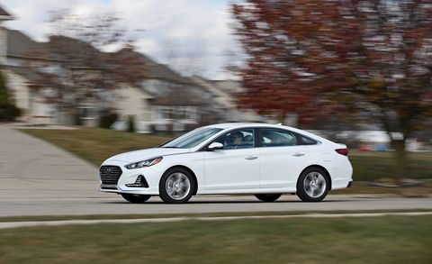 Land vehicle, Vehicle, Car, Mid-size car, Automotive design, Rim, Personal luxury car, Sedan, Family car, Performance car,
