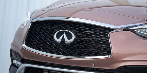 Land vehicle, Vehicle, Car, Grille, Motor vehicle, Automotive design, Automotive exterior, Bumper, Hood, Headlamp,
