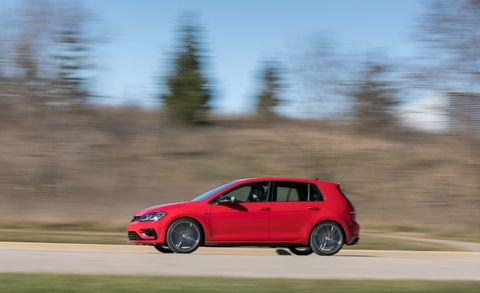 Land vehicle, Vehicle, Car, Automotive design, Hatchback, Hot hatch, Compact car, City car, Volkswagen golf, Sky,
