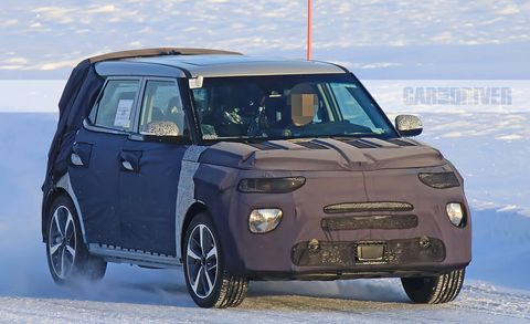 Land vehicle, Vehicle, Car, Motor vehicle, Kia motors, Hatchback, Kia soul, Automotive design, City car, Vehicle door,