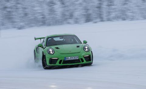 Land vehicle, Vehicle, Car, Automotive design, Sports car, Supercar, Porsche, Performance car, Snow, Coupé,