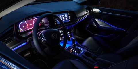 Land vehicle, Vehicle, Car, Center console, Executive car, Automotive design, Gear shift, Mode of transport, Steering wheel, Audi,