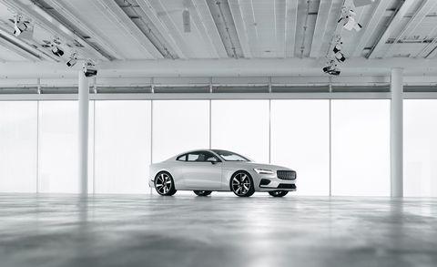 Land vehicle, Vehicle, Car, Automotive design, Rim, Luxury vehicle, Product, Wheel, Personal luxury car, Mid-size car,