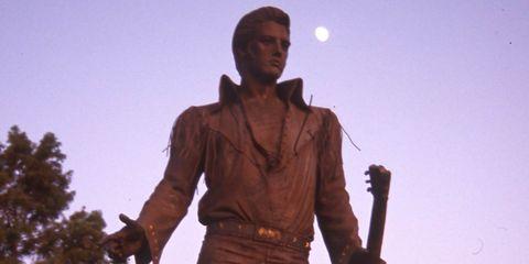 Statue, Standing, Monument, Temple, Sculpture, Memorial, Fictional character,