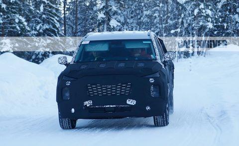 Land vehicle, Vehicle, Car, Snow, Automotive exterior, Winter, Automotive tire, Freezing, Off-road vehicle, Bumper,