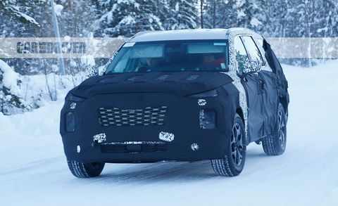 Land vehicle, Vehicle, Car, Land rover discovery, Sport utility vehicle, Land rover freelander, Luxury vehicle, Land rover, Range rover, Off-road vehicle,