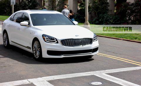 Land vehicle, Vehicle, Car, Luxury vehicle, Automotive design, Personal luxury car, Mid-size car, Rim, Performance car, Wheel,
