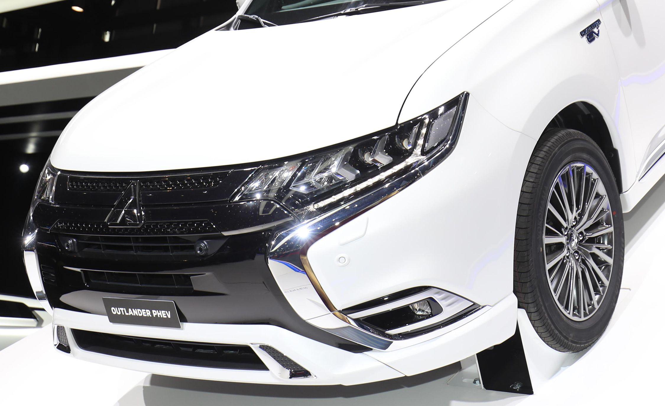 2019 Mitsubishi Outlander PHEV Gets Powertrain Tweaks   News