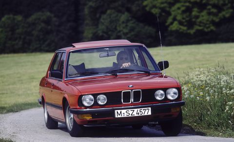 Land vehicle, Vehicle, Car, Regularity rally, Coupé, Bmw, Classic car, Personal luxury car, Bmw 3 series (e30), Luxury vehicle,