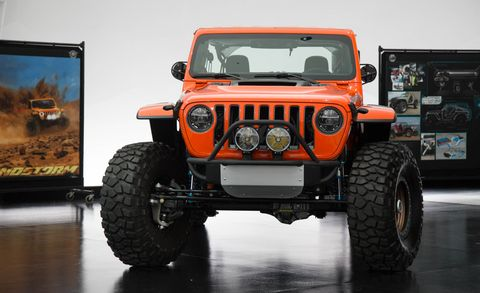 Land vehicle, Vehicle, Car, Tire, Automotive tire, Motor vehicle, Jeep, Off-road vehicle, Bumper, Automotive exterior,