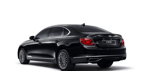 Land vehicle, Vehicle, Car, Luxury vehicle, Mid-size car, Automotive design, Personal luxury car, Rim, Exhaust system, Executive car,