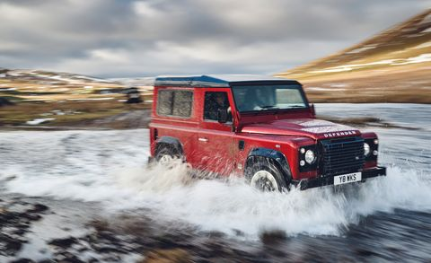 Land vehicle, Car, Vehicle, Off-road vehicle, Off-roading, Land rover defender, Automotive tire, Tire, Sport utility vehicle, Land rover series,