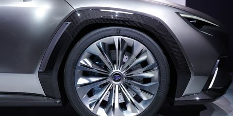 Land vehicle, Alloy wheel, Vehicle, Car, Spoke, Wheel, Tire, Automotive design, Automotive tire, Personal luxury car,