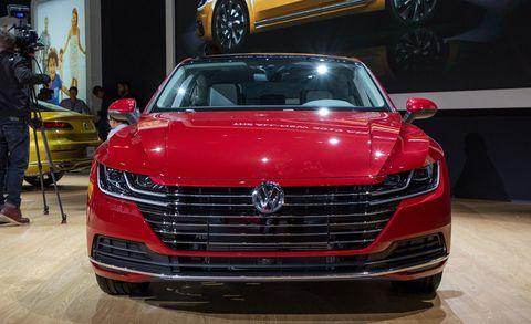 Land vehicle, Vehicle, Car, Auto show, Automotive design, Grille, Personal luxury car, Luxury vehicle, Mid-size car, Automotive exterior,