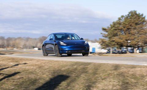 Land vehicle, Vehicle, Car, Luxury vehicle, Automotive design, Performance car, Personal luxury car, Rim, Sports car, Mid-size car,