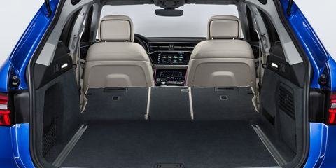 Land vehicle, Vehicle, Car, Trunk, Family car, Automotive design, Sport utility vehicle, Compact car, Hot hatch,