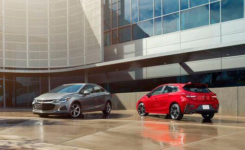 Land vehicle, Vehicle, Car, Automotive design, Mid-size car, Family car, Hatchback, Alfa romeo giulietta, Hot hatch, Compact car,