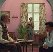from l r bill murray, wally wolodarsky and jeffrey wright in the film the french dispatch photo courtesy of searchlight pictures © 2021 20th century studios all rights reserved
