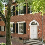 jackie kennedys former georgetown home is for sale