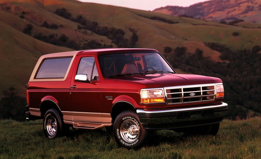 A Visual History of the Ford Bronco, from Trail Crawling to Slow-Speed Chases - Slide 10
