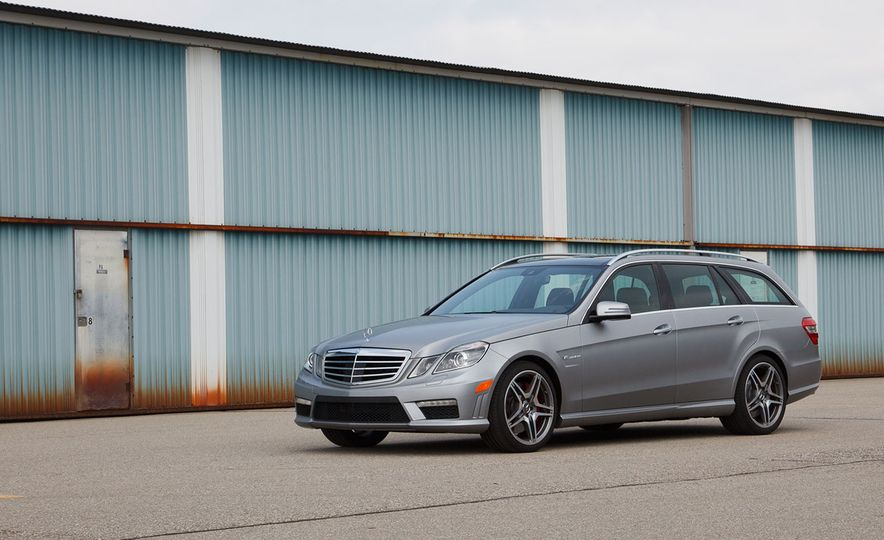 A Visual History of AMG-Modified Mercedes-Benz E-class Wagons - Slide 10