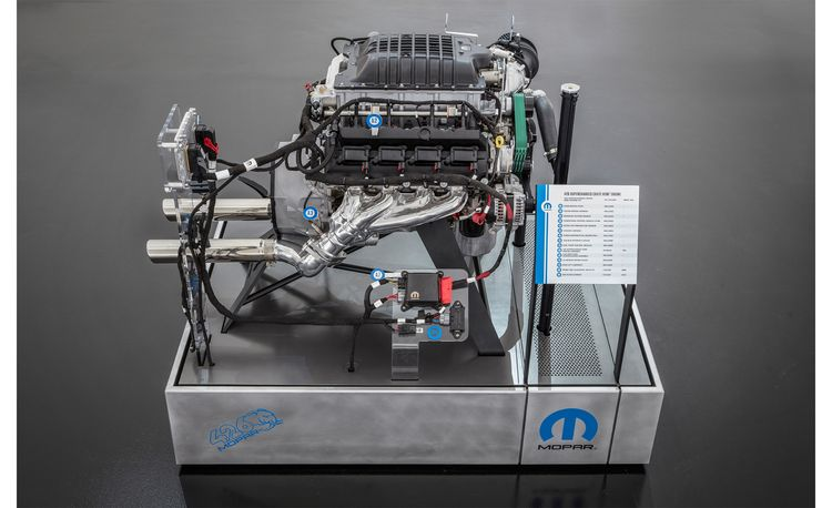 See and Hear Mopar's New 1000-HP 426 Hemi Crate Engine