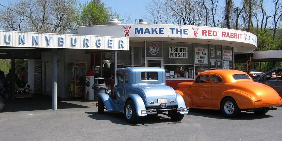 13 Drive-In Restaurants Where You Can Still Dine in Your Car