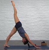 Finger, Human leg, Shoulder, Elbow, Wrist, Standing, Photograph, Joint, Flooring, Floor,