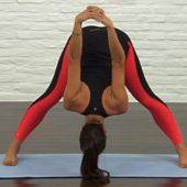 Human leg, Joint, Flooring, Knee, Black, Thigh, Display device, Foot, Tights, Calf,