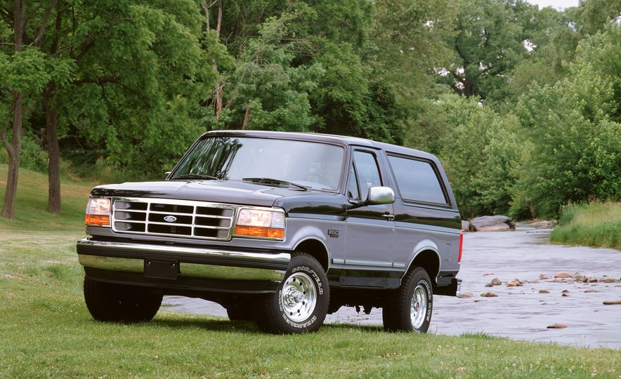 A Visual History of the Ford Bronco, from Trail Crawling to Slow-Speed Chases - Slide 11