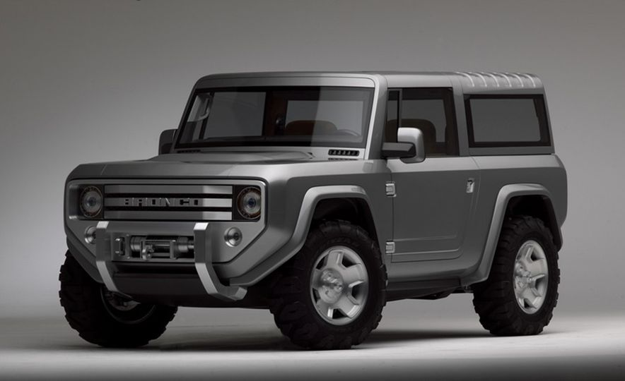 A Visual History of the Ford Bronco, from Trail Crawling to Slow-Speed Chases - Slide 12