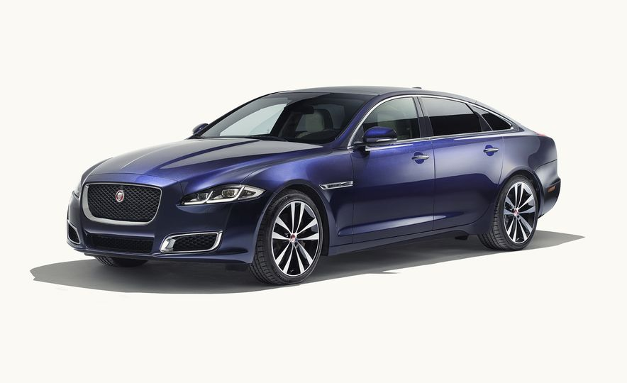 A Visual History of the Jaguar XJ's 50 Years of Elegance - Slide 12