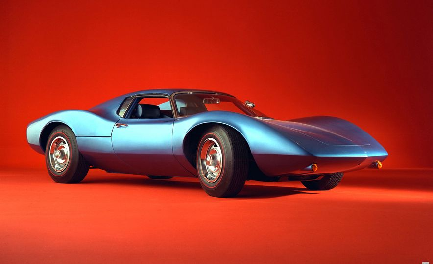 1960s Mid-Engined Corvette concept - Slide 1