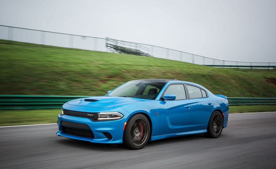 Every 200-MPH Production Car You Can Buy Today - Slide 13