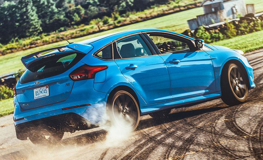 Discounts Are Piling Up on the Ford Focus ST and RS and on the Fiesta ST