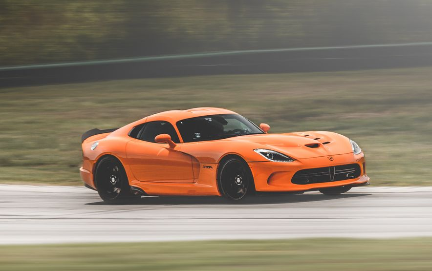 Snake, Recoiled: A Visual History of the Dodge Viper - Slide 19