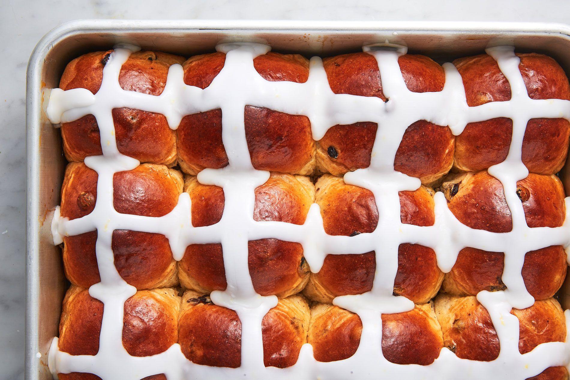 Best Traditional Hot Cross Buns Recipe How To Make Hot Cross Buns