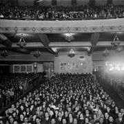 1930s packed full house