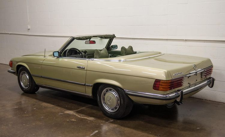 This Vintage 1973 Mercedes-Benz SL Will Make Onlookers Green with Envy