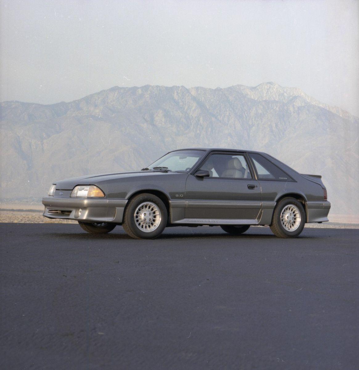 cc9b371b408 Ford Mustang GT 5.0 (1987–1993)