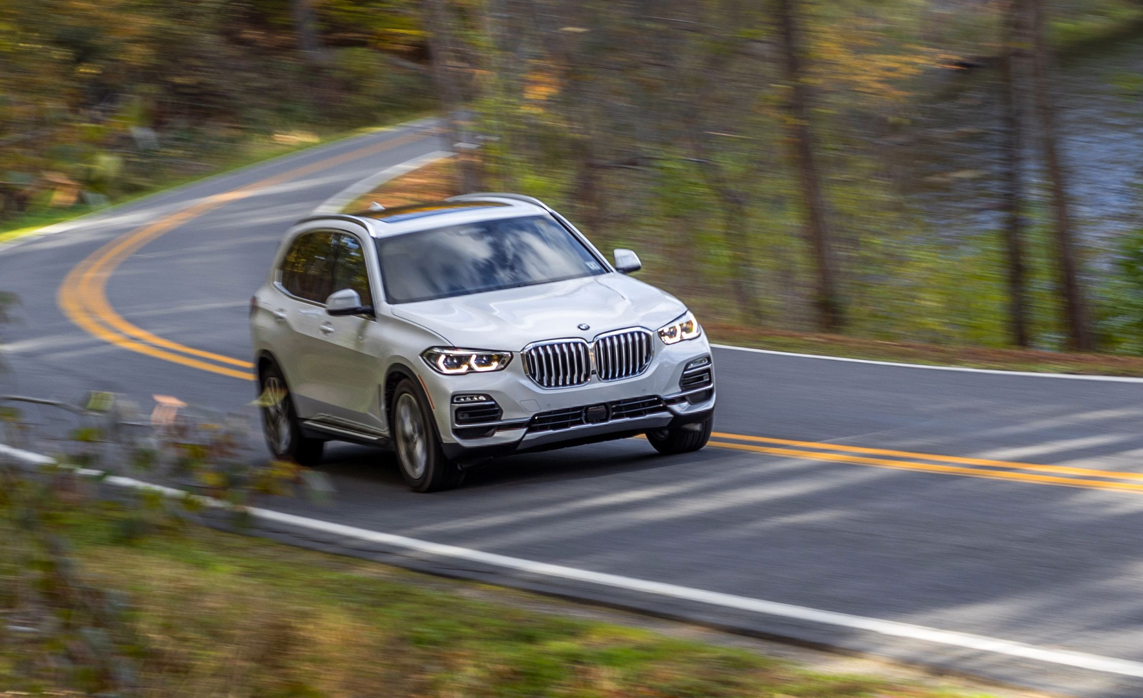 Bmw X5 Reviews Bmw X5 Price Photos And Specs Car And Driver