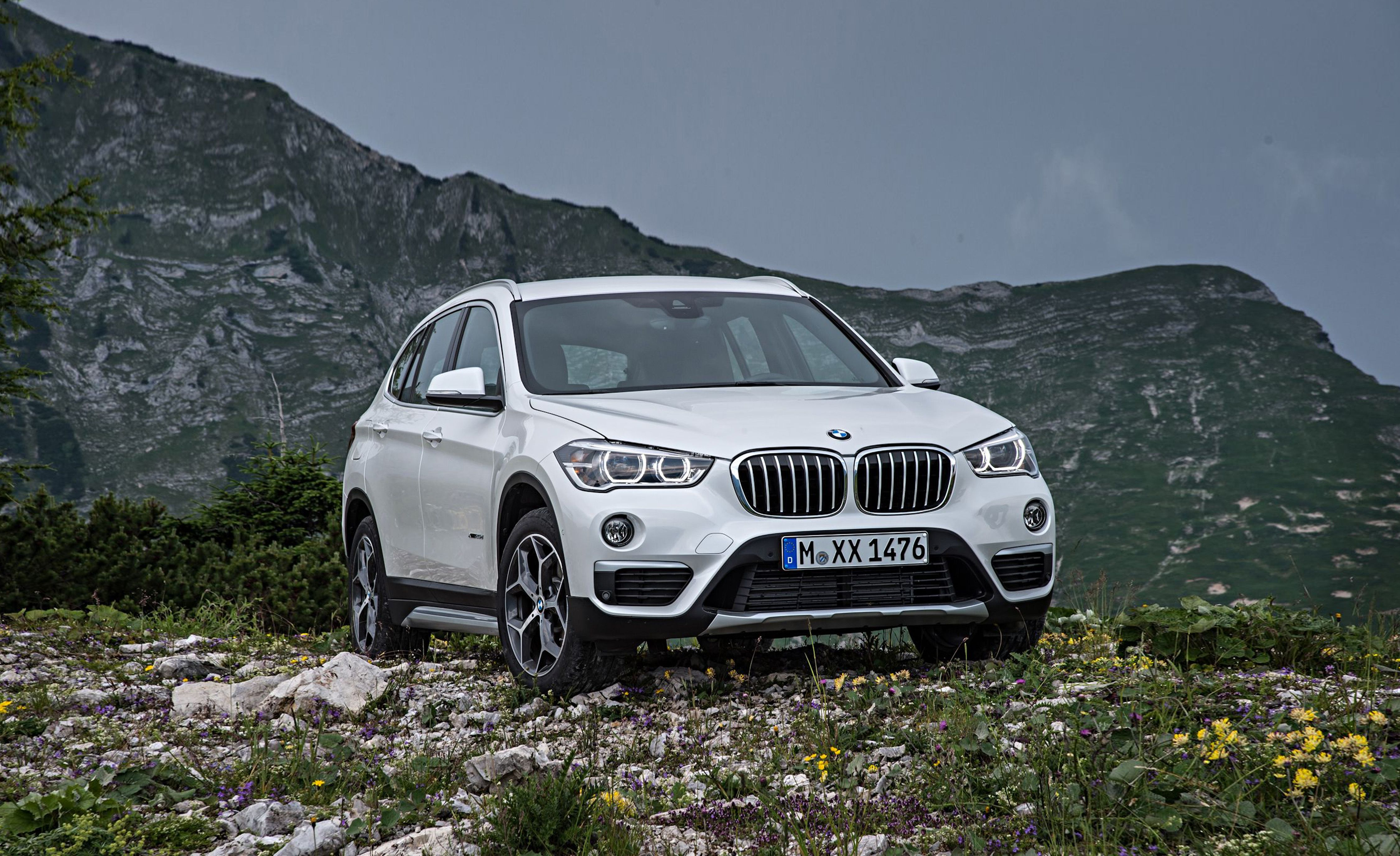 2019 bmw x1 reviews bmw x1 price photos and specs. Black Bedroom Furniture Sets. Home Design Ideas