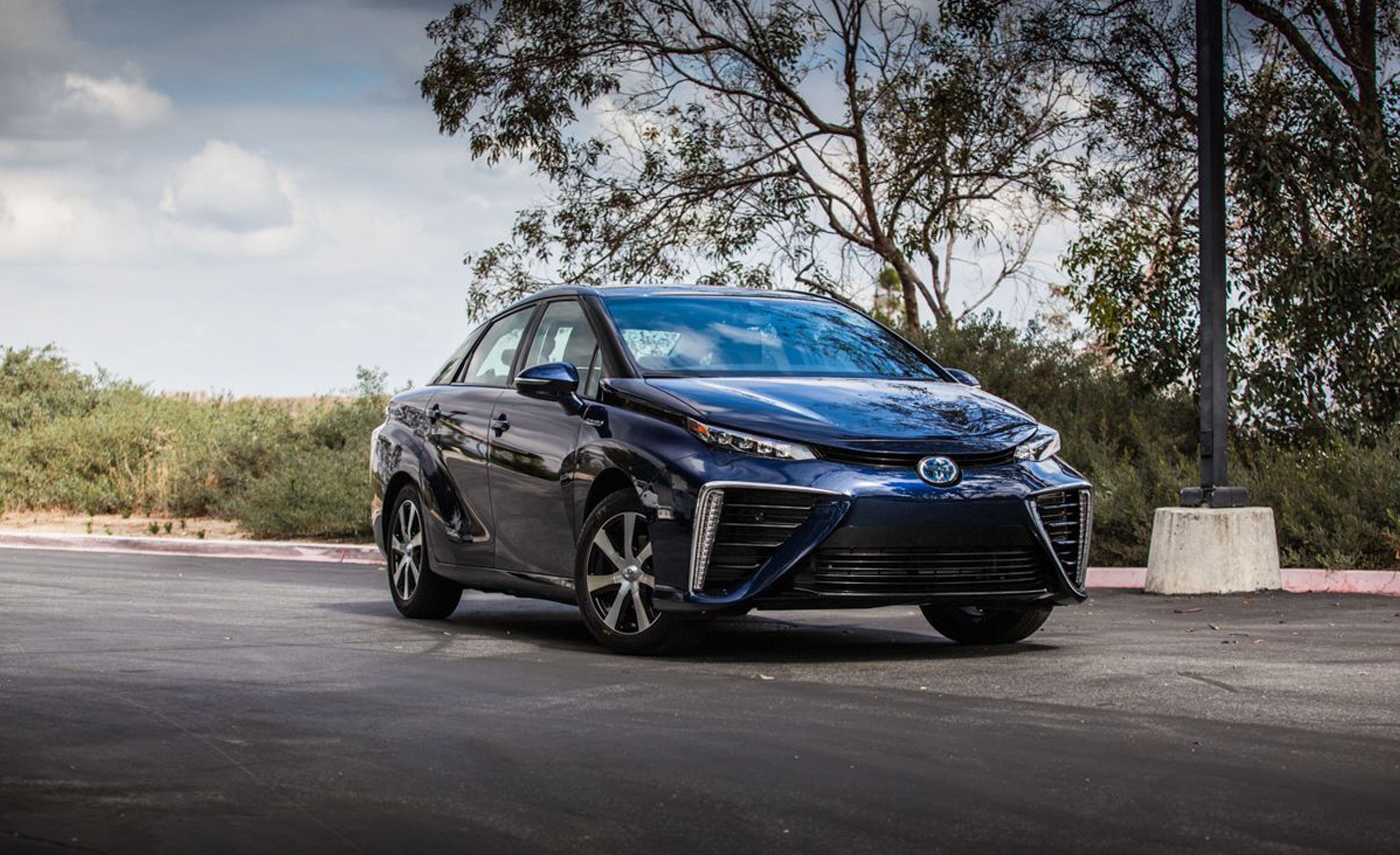2020 Toyota Mirai Reviews Price Photos And Specs Car Driver